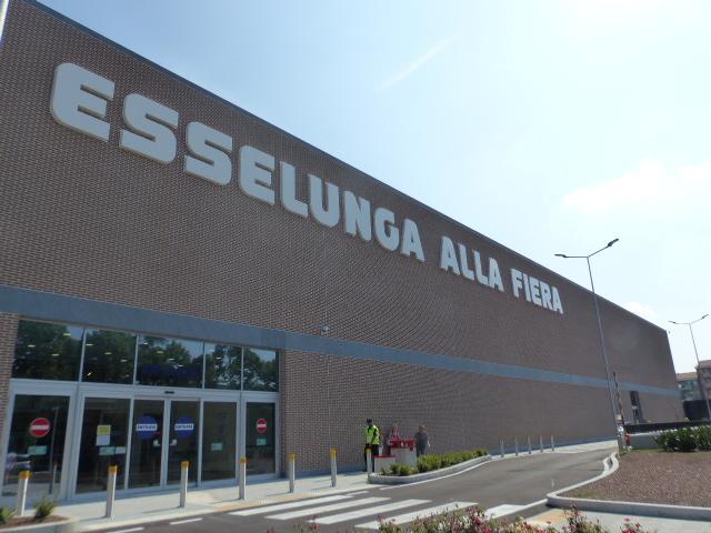 Aperto il terzo esselunga a verona ortofrutta bio for Supermercati esselunga in italia