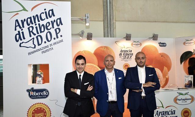 PARLAPIANO, ANNATA SONTUOSA: VENDITE RECORD PER L'ARANCIA DI RIBERA DOP